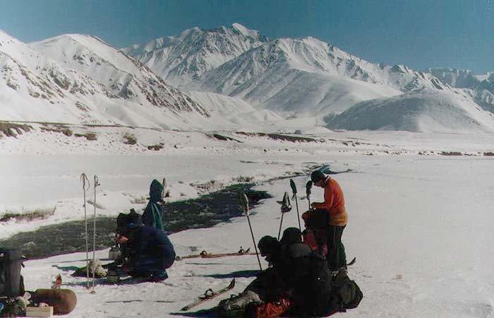 Отчет о лыжном путешествии 6 к.с. на Памире, 2000 г.